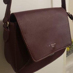 🌸 David Jones Deep Burgundy Leather Crossbody Bag